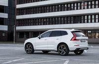 Volvo XC60 T6 AWD R-Design - z tyłu