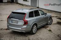 Volvo XC90 T8 Twin Engine AWD Excellence - z tyłu i boku