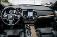 Volvo XC90 T8 Twin Engine AWD Excellence - deska rozdzielcza