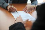 Brak podpisu na odwołaniu: czy musimy stawiać się w urzędzie?
