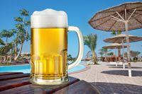 Spożycie alkoholu na urlopie: Polska w TOP 10