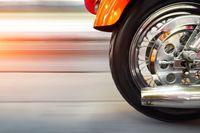 Zakup motocykla w koszty firmy a kasku nie