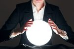 Ile zarabia astrolog świadczący usługi dla biznesu? Czym się zajmuje?