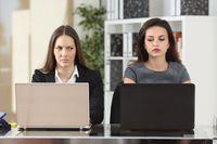 Niektóre zachowania rujnują atmosferę w pracy