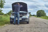 Awaria na drodze - o czym warto pamiętać?