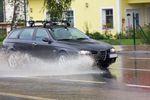 Bezpieczna jazda a zmienne warunki pogodowe