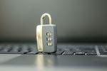Zagrożenia internetowe - Polacy świadomi