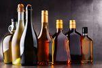 Polacy nie wylewają za kołnierz, a branża alkoholowa tonie w długach