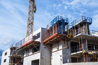 Budowa mieszkań w IV 2015 r.