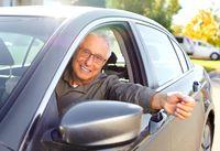 Senior za kierownicą