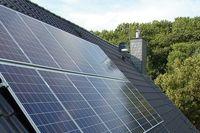 Panele fotowoltaiczne vs kolektory słoneczne. Co je różni?
