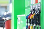 Cena benzyny znowu spadła. Kiedy to odczujemy?