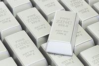 Notowania surowców: cynk błyszczy jaśniej niż złoto