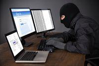 Bezpieczeństwo danych: jak nie dać się cyberprzestępcy?