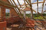 Sprzedaż rozpoczętej budowy domu poza podatkiem VAT