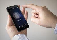 Telefon z czytnikiem linii papilarnych