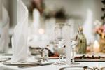 Wystawna kolacja w podróży służbowej z podatkiem dochodowym