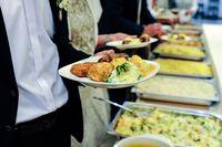 Wyżywienie na szkoleniu pracowników bez podatku dochodowego