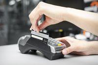 Transakcja odrzucona stresuje bardziej niż dług alimentacyjny