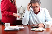 Seniorzy mają częściej problemy ze spłatą zobowiązań