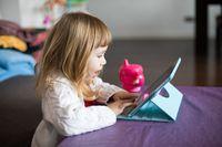 Tylko co 4 rodzic uczula dziecko na niebezpieczeństwo w sieci