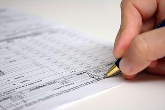 Faktura od podmiotu zwolnionego z VAT 2014: jakie dane?