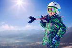Ferie zimowe na stoku: jak zadbać o bezpieczeństwo dziecka?