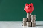 Rosną oszczędności i niechęć do inwestowania