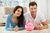 Pieniądze w związku: wspólne konto czy osobne rachunki?