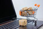 W jaki sposób płacimy za zakupy w Internecie?