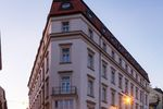 Inwestycje hotelowe na fali