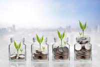 Inwestowanie pieniędzy. Konsekwencja najlepszą strategią?