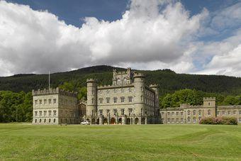 Inwestowanie w nieruchomości: hotel, zamek, spa, a może kontener?