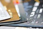 Karta debetowa czy kredytowa?