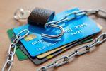 Bezpieczna karta płatnicza na świątecznych zakupach