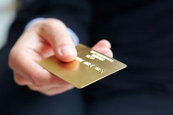 Złota karta kredytowa dla każdego [© fox17 - Fotolia.com]
