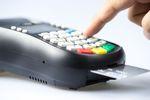 Karta debetowa lepsza niż kredytowa