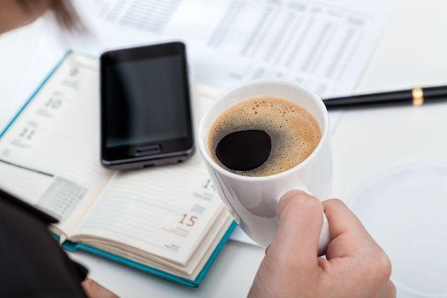 picie kawy pomo u017ce ci w pracy - egospodarka pl