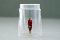 Kto buduje szklany sufit nad kobietami?