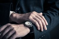 Jubileuszowe zegarki dla pracowników są kosztem spółki