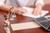 Kiedy usługa prawnika czy doradcy podatkowego w koszty firmy?