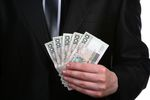 Premia roczna dla pracownika jako koszt uzyskania przychodu