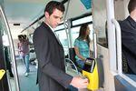 Umowa o pracę: bilety autobusowe w kosztach, samochód osobowy nie
