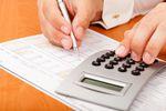 Zakupy na raty a korekta kosztów: sądy administracyjne vs. fiskus