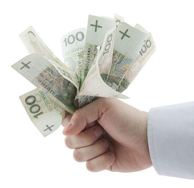 Kredyt-gotowkowy-sfinansuje-marzenia-93824-640x640.jpg