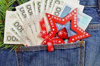 Świąteczne wydatki i postanowienia noworoczne. Czy to się da pogodzić?