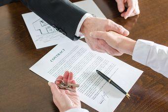 Kupno mieszkania: nie jedna, a trzy umowy z deweloperem