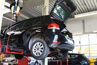 Kupno samochodu używanego: jak sprawdzić podwozie?