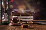 Łacińskie paremie prawnicze: mora trahit periculum