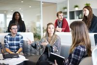 Przywództwo w organizacji, czyli jak służyć pracownikom